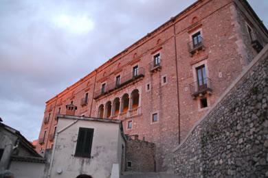 Aieta, Palazzo Rinascimentale