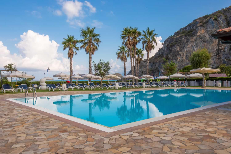 Arcomagno Resort - Piscina vista mare